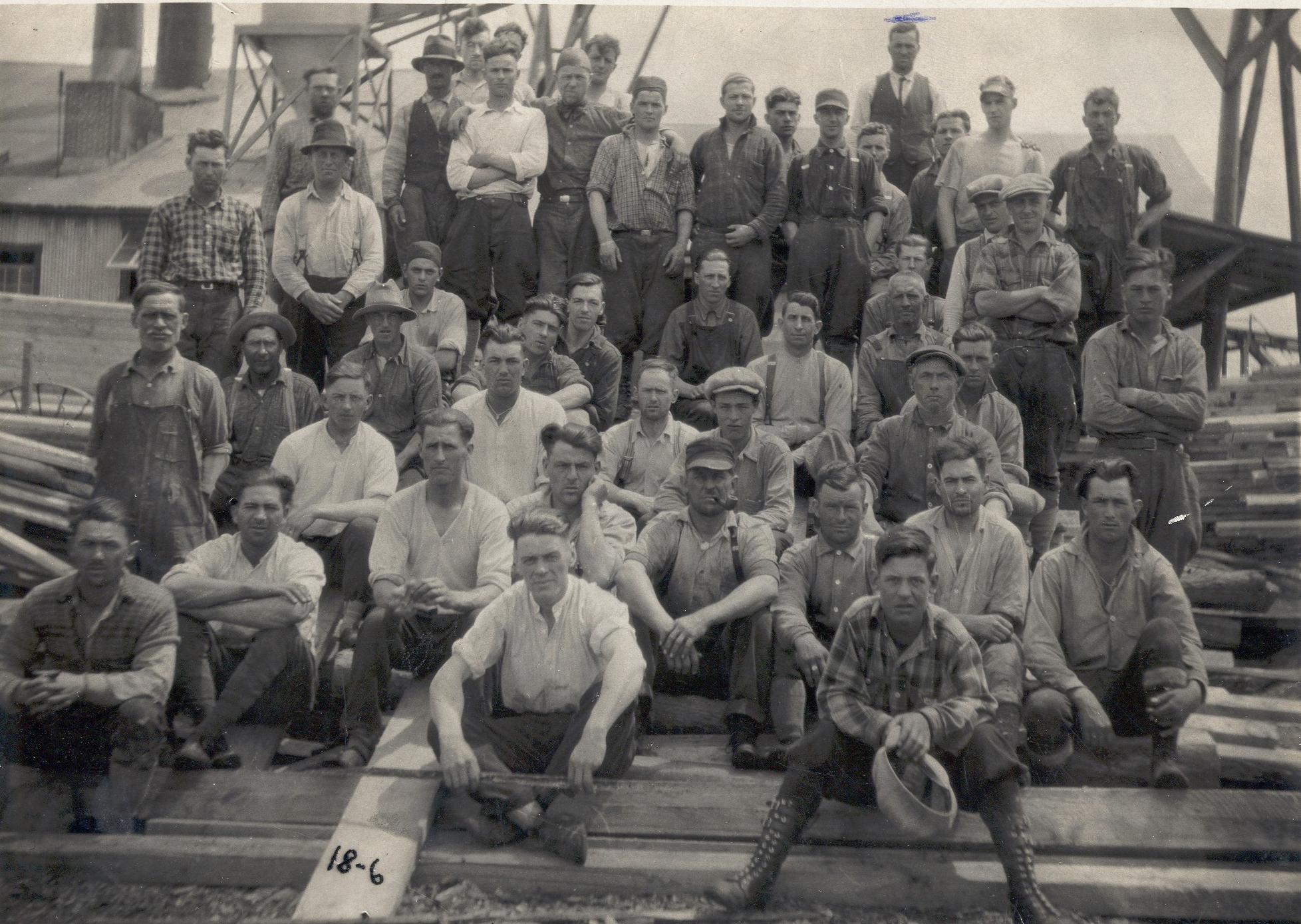 Les travailleurs du lac Carey en 1943. Photo : Écomusée de Hearst